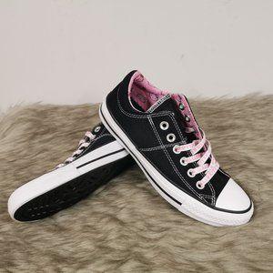 Converse Hello Kitty Low Top Sneaker